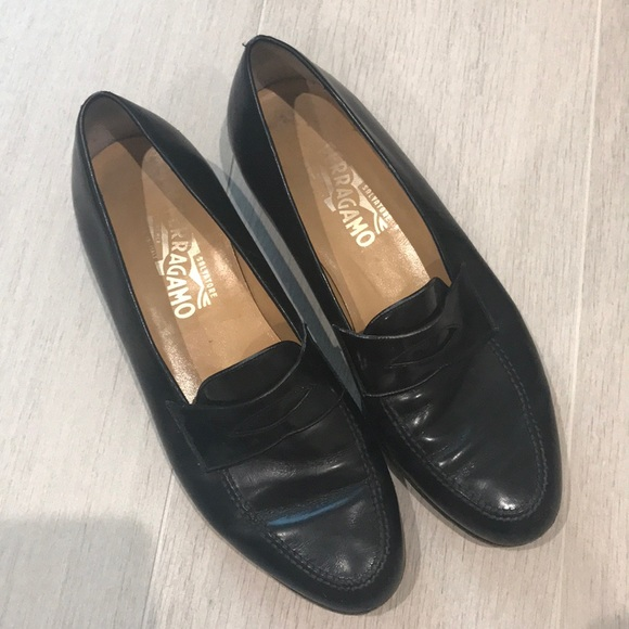 MEN's Black Ferragamo Loafer size 9